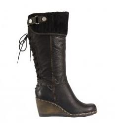 Vyberte si trendové boty na zimu  2f94de7c0d